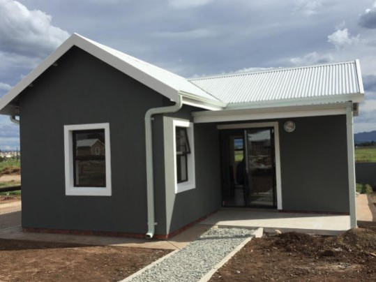south street village, komani, queenstown, houses, property, for sale, two bedroom house, single storey, t2 design
